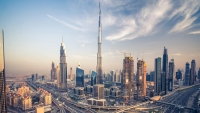دبي تعاني بفعل تراجع أداء العقارات