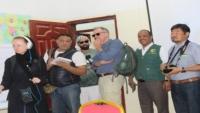 فريقان إعلاميان دوليان يزوران مركز إعادة تأهيل الأطفال المجندين بمأرب
