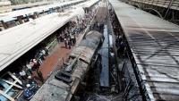 مقتل وإصابة العشرات في حادث ارتطام جرار وحريق بمحطة قطارات بالقاهرة