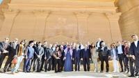 حكومة السعودية تصادق على منح تأشيرات سياحية للأجانب
