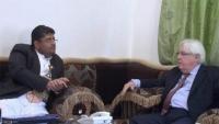 مسؤول حكومي مخاطبا جريفيث ولوليسغارد: هل ذهبتما لعقد صفقة مع الحوثي؟