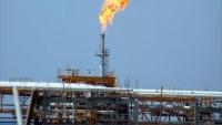 آلية جديدة لاستيراد النفط.. نقل الشحنات إلى مناطق الحوثيين تحت إشراف دولي