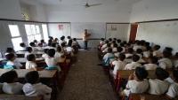 معلمون يشكون استقطاع منظمة اليونيسف من حوافزهم النقدية