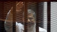 السلطات منعت الصحافة وسمحت لأسرته فقط.. مرسى يوارى الثرى فجر اليوم بالقاهرة