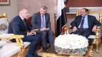 نائب الرئيس يؤكد على ضرورة التزام الحوثيين بتنفيذ اتفاق السويد