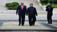 ترامب يدخل إلى كوريا الشمالية ويلتقي كيم للمرة الثالثة
