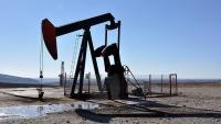 النفط قرب 64 دولارا وسط حديث عن إسقاط طائرة مسيرة إيرانية ثانية
