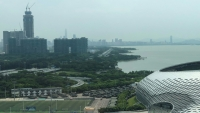 """الصين تحشد قواتها على تخوم هونغ كونغ وترامب يدعو الى تسوية """"انسانية"""""""