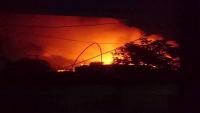 إصابة مدير أمن ميناء عدن ومليشيات الانتقالي تحرق وتنهب منازل في المعلا