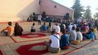 """""""شعر في الشارع"""".. حين يلقي شعراء المغرب قصائدهم في الساحات والحارات"""