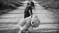 10 علامات للاكتئاب عند الأطفال لا ينبغي تجاهلها
