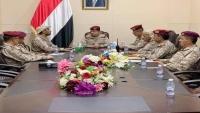 نجاة وزير الدفاع ومقتل سائقه بصاروخ حوثي استهدف اجتماعا لقادة الجيش في مأرب