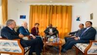 وفد الحوثيين يبحث مع سفيري ألمانيا لدى اليمن ومسقط مستجدات الأزمة اليمنية
