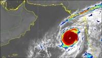 """إعصار """"كيار"""" يتراجع إلى الدرجة الأولى ويتحول إلى منخفض مداري عميق"""