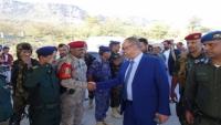 الميسري يعود إلى المهرة بعد زيارة عمل إلى سلطنة عمان