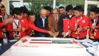جماعة الحوثي تكرم المنتخب الوطني للشباب لكرة القدم