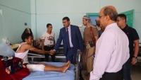 """وكيل أمانة العاصمة """"ثعيل"""" يتفقد جرحى الجيش في هيئة مستشفى مأرب العام"""