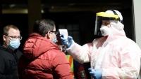 """إجراءات دولية متسارعة لمواجهة كورونا.. مجموعة دوائية فرنسية تبشر بنتائج واعدة """"لعلاج"""" ضد الفيروس"""