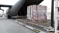 وصول أول شحنة إمدادات طبية إلى مطار عدن لمواجهة كورونا