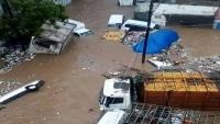 الكهرباء: عودة التيار للخدمة بعدن سيتأخر إلى غدِ لتضرر الشبكة جراء السيول