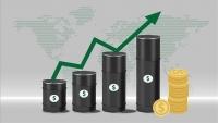 أسعار النفط تصعد مع توقعات عودة التوازن للأسواق