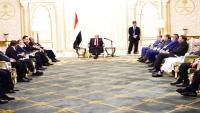 مصادر: السعودية والإمارات تضغطان على هادي لتنفيذ الشق السياسي من اتفاق الرياض