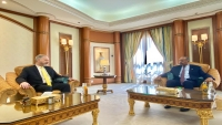 السفير الأمريكي يلتقي الزبيدي والأخير يدعو واشنطن لدعم المجلس الانتقالي