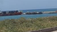 وصول 500 من مجندي الانتقالي إلى سقطرى على متن سفينة قادمة من عدن