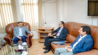"""""""لملس"""" يدعو الدول لفتح سفاراتها ومكاتبها القنصلية في عدن"""