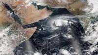 أمطار ورياح قوية بدأت تضرب سقطرى والمحافظ يوجه بتشكيل لجان طوارئ لمواجهة العاصفة المدارية