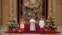 """البابا في رسالة الميلاد: وجوه أطفال اليمن وسوريا والعراق يجب أن """"تهز الضمائر"""""""
