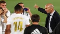 زيدان و5 لاعبين.. تفاصيل الاجتماع الذي أوقف النزيف وأنقذ ريال مدريد