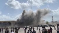 قتلى وجرحى في عدة انفجارات استهدفت مطار عدن لحظة وصول الحكومة