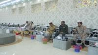 محافظ المهرة يجتمع باللجنة الأمنية ويقر عددا من الإجراءات لتعزيز الأمن
