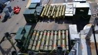 ضبط مخبأ كبير للأسلحة قبالة سواحل الصومال ومسؤول أمريكي يرجح أن تكون متجهة إلى اليمن
