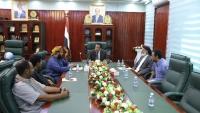 محافظ المهرة يوجه لجنة الطوارئ في المحافظة باتخاذ الإجراءات اللازمة لمواجهة كورونا
