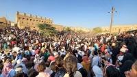 في ظل ارتفاع الإصابات بكورونا.. مواطنون يحتشدون في فعالية شعبية بتريم
