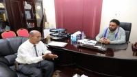 وكيل أول محافظة حضرموت يناقش التحديات التي يواجهها قطاع السياحة في المحافظة