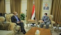 وزير الخارجية يشيد بجهود فرنسا لإحلال السلام في اليمن