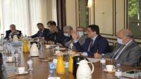 الحكومة اليمنية تطلب دعما أوروبيا لوقف انهيار العملة