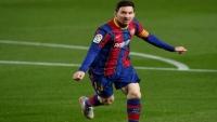 القائد يضحي.. برشلونة يتوصل لاتفاق مع ميسي على عقد جديد ويتغنى بتتويجه بكوبا أمريكا