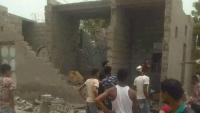 الحوثيون يستهدفون منزل مواطن جنوبي الحديدة بثلاث قذائف هاون