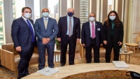 ليندركينغ يبحث مع مسؤولين إماراتيين أهمية عودة الحكومة اليمنية إلى عدن